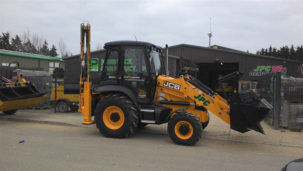 JCB 3CX (Backhoe Loader)